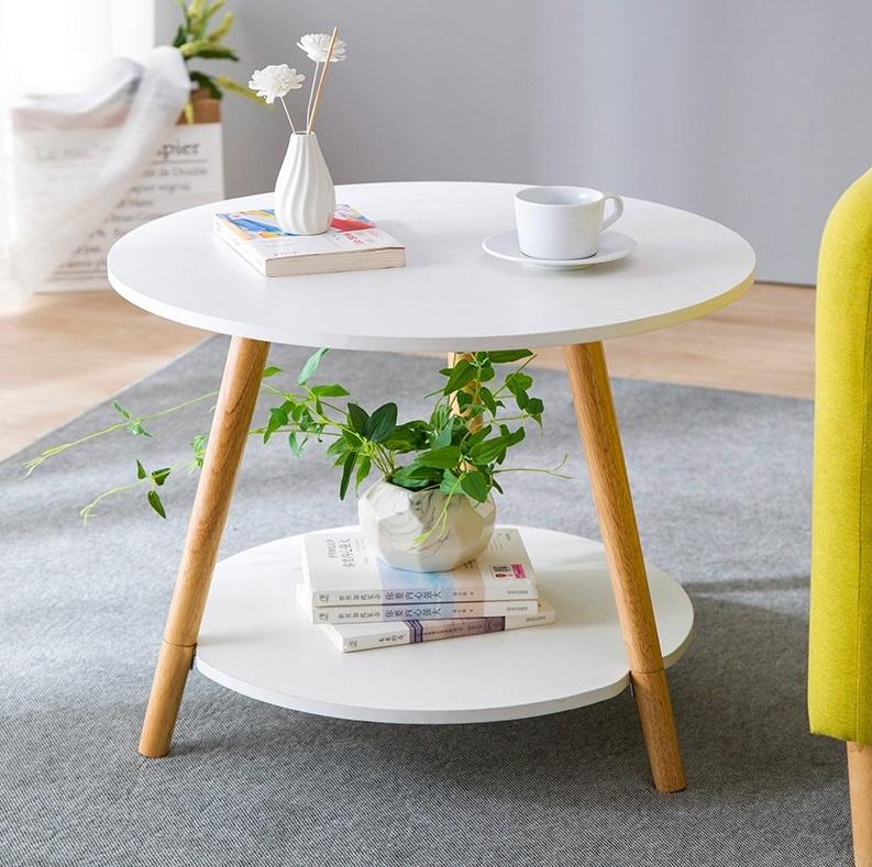 Bàn trà hai tầng chân gỗ sồi Igea có giá giảm 27% còn 285.000 đồng. Thiết kế dạng ba chân giúp bàn giữ thăng bằng tốt. Sản phẩm làm từ chất liệu gỗ MDF phủ melamin, chống mối mọt, trầy xước.