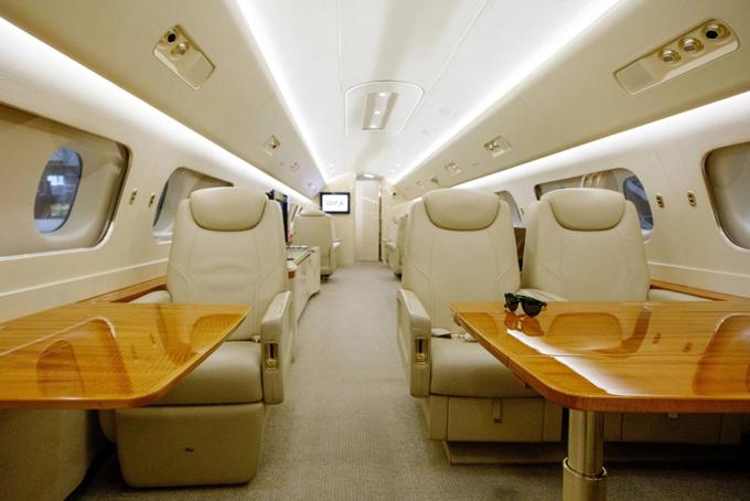 Giới siêu giàu Nhật Bản không tiếc tiền đi lại bằng chuyên cơ riêng
