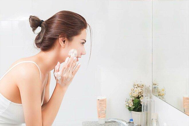 Luôn làm sạch da trước khi đi ngủ.