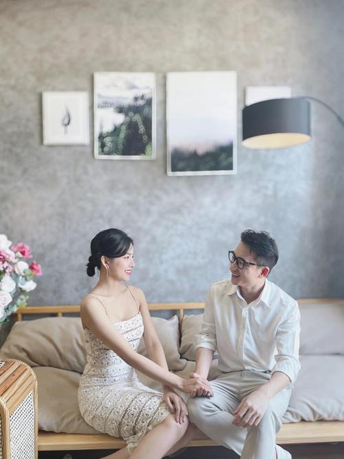 Tối hôm nay (16/4), Phan Mạnh Quỳnh và cô dâu Huỳnh Khánh Vy sẽ tổ chức Thánh Lễ tại Nhà thờ xứ Vạn Phần, Nghệ An.
