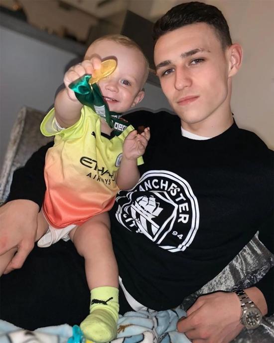 Sao trẻ Man City có con đầu lòng khi chưa tròn 19 tuổi. Ảnh: Instagram.