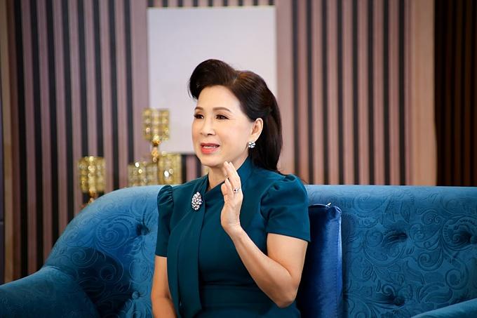 NSND Kim Xuân chia sẻ, chị từng bị sốc tới nửa năm khi vợ chồng con trai ra ở riêng.