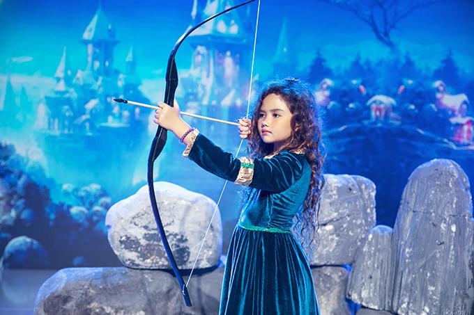 3 thí sinh ở tập này là Uyên Nghi, Nhã Thy, Yến Giang hoá thân thành công chúa Disney, lần lượt tham gia thử thách chụp ảnh.
