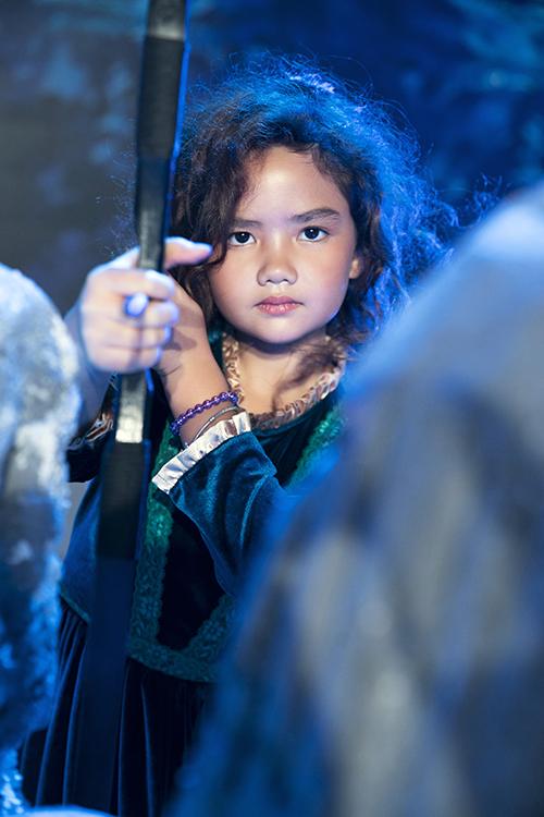 Thí sinh Uyên Nghi có màn thể hiện xuất sắc khi vừa bước ra được các giám khảo khen ngợi hệt như công chúa tóc xù Brave trong phim hoạt hình.