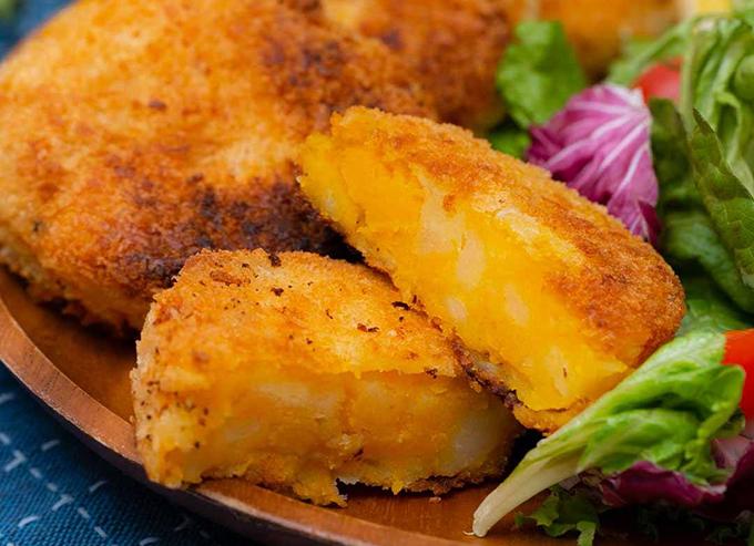 Bánh bí đỏ khoai tây chiên giòn