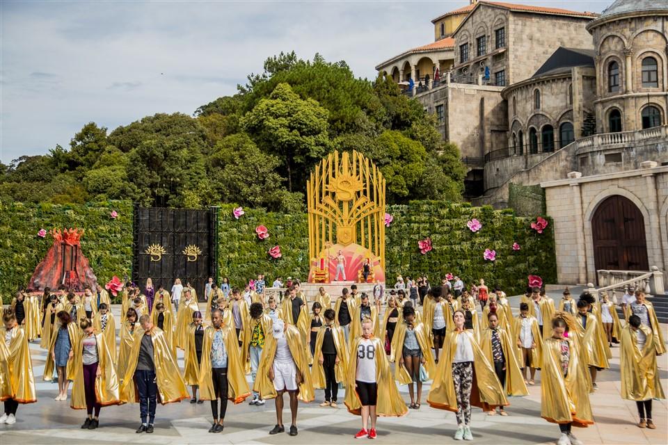 The Golden Heart (Sun World Ba Na Hills):