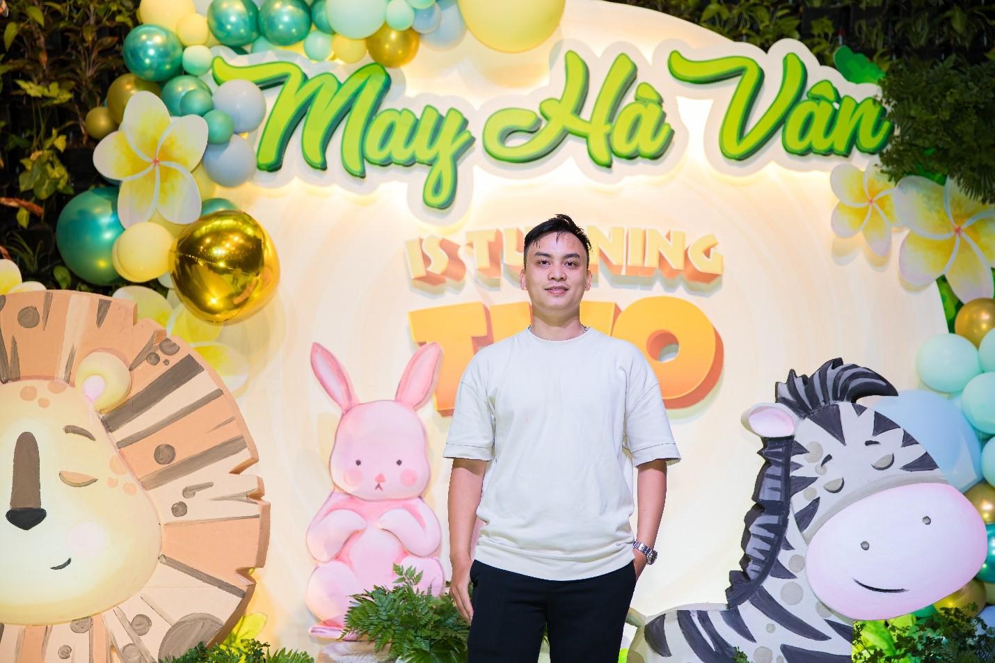 Bên cạnh thương hiệu HomiDecor lớn mạnh, anh Hưng còn sở hữu thêm một thương hiệu thời trang dành cho bé gái - Homi Baby House.