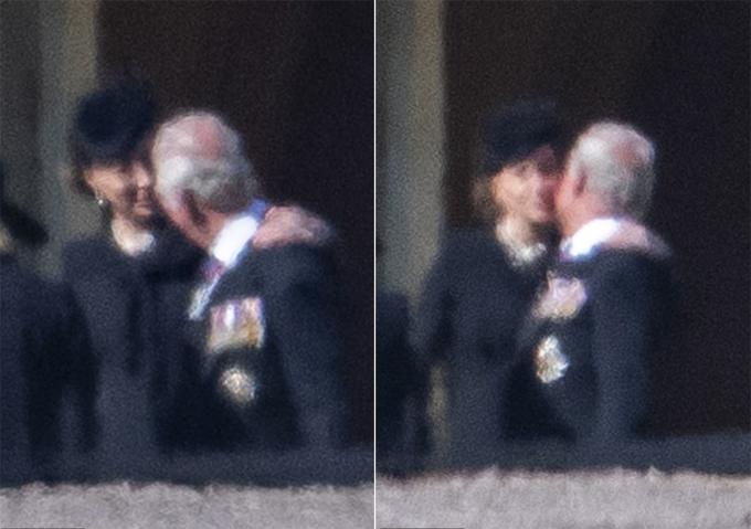 Kate động viên Thái tử Charles trong đám tang Hoàng thân Philip hôm 17/4. Ảnh: Richard Gillad.