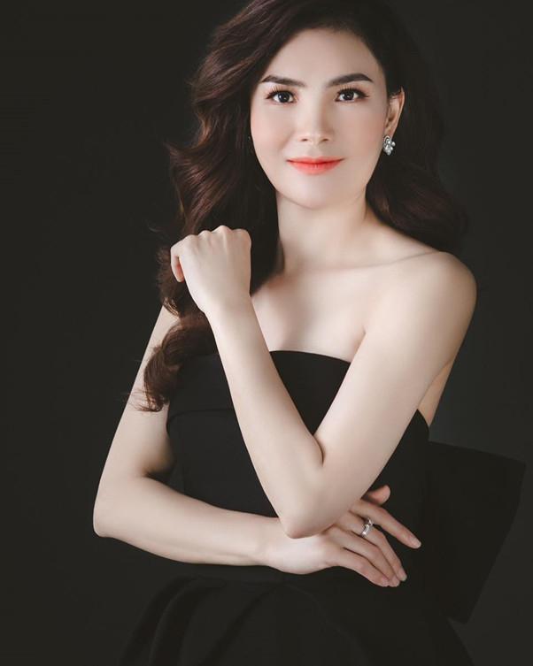 CEO Trương Mỹ Duyên sở hữu nhan sắc xinh đẹp nhờ những kỹ thuật chăm sóc sắc đẹp tại spa củ