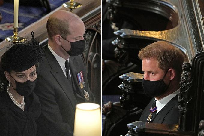 William và Harry ngồi đối diện nhau trong nhà nguyện St George hôm 17/4. Ảnh: