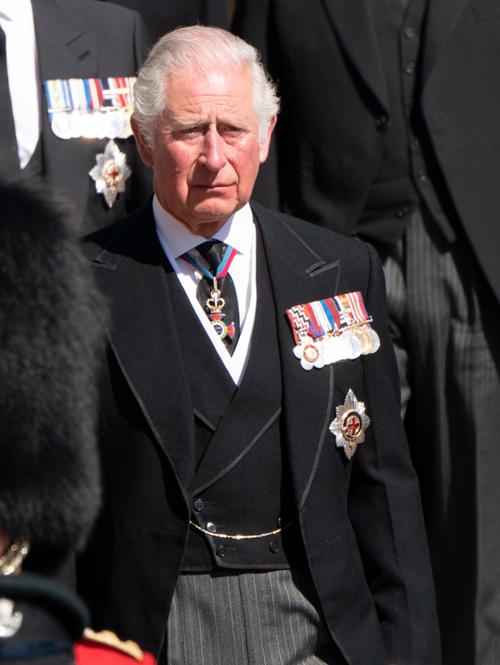Thái tử Charles rơi nước mắt trong đám tang cha. Ảnh: PA.
