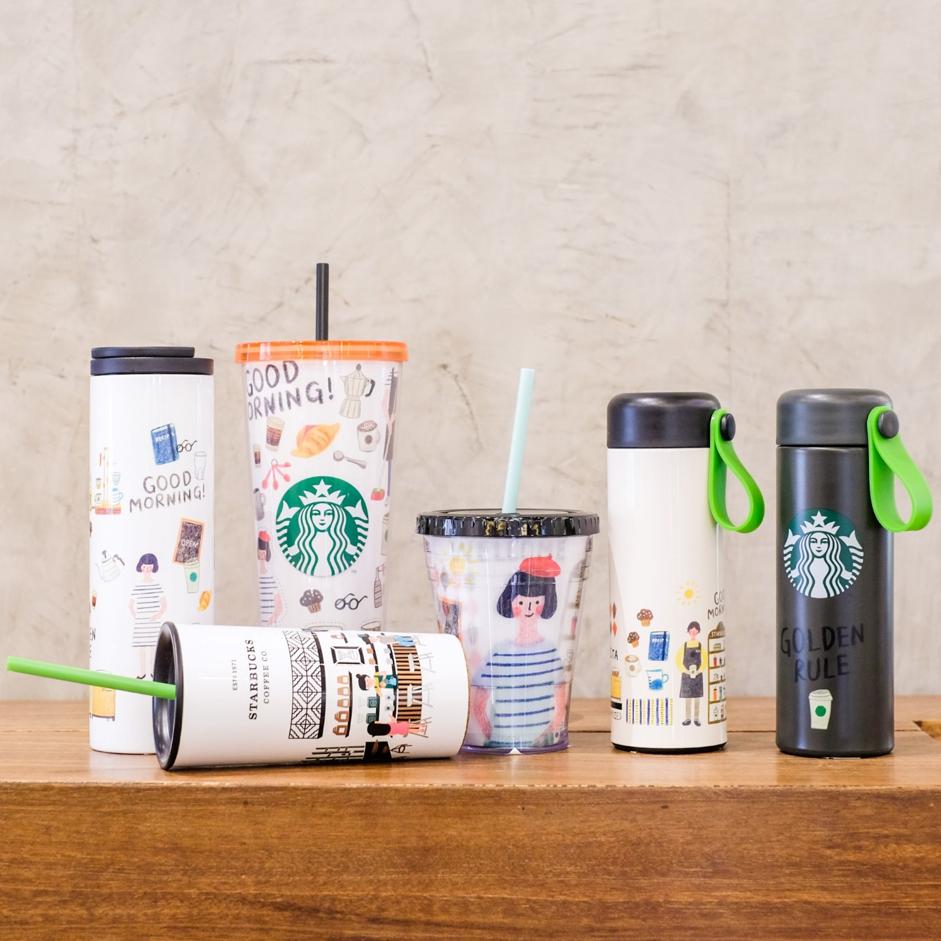 Ra mắt dịp cuối hè năm 2020, Culture Collection bao gồm các dạng bình giữ nhiệt truyền tải văn hóa yêu cà phê thông qua hình ảnh minh họa về một ngày của barista tại Starbucks. Trong lần ra mắt trên Lazada này, bộ sưu tập có giá ưu đãi, giảm đến 25%, xem và chọn mua tại đây.