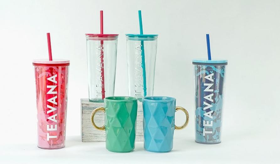 Bộ sưu tập Teavana lấy cảm hứng từ dòng trà cùng tên của Starbucks, mang đậm không khí mùa hè và miền nhiệt đới với các màu sắc, họa tiết rực rỡ, bắt mắt. Loạt sản phẩm này sẽ có giảm đến 40% kèm phần quà hấp dẫn khi mua sắm trên Lazada bắt đầu từ ngày 22/4, đặt hàng tại đây.