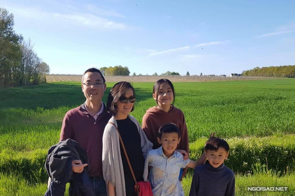 Vợ chồng Quỳnh Giao thường đưa các con du lịch, khám phá thiên nhiên.