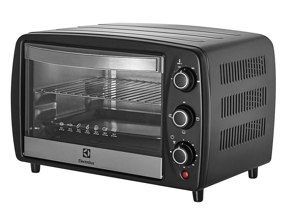 Lò nướng để bànElectrolux EOT3805K dung tích 15 lít, với 3 chế độ nướng, có khả năng làm nóng, nướng các loại thức ăn, bánh pizza... Lò thiết kế thanh nhiệt bằng thép không gỉ, khay đựng thực phẩm chống dính, cửa kính trong suốt chịu nhiệt, tay nắm cách nhiệt. Lò có thể hẹn giờ đến 60 phút, điều chỉnh nhiệt độ từ 100 đến 250 độ C. Sản phẩm đang được bán với giá ưu đãi 44% là 770.000 đồng.