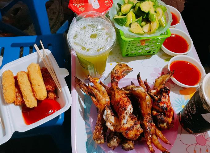 Địa chỉ cuối tuần: chân gà nướng vỉa hè phố Cao Đạt