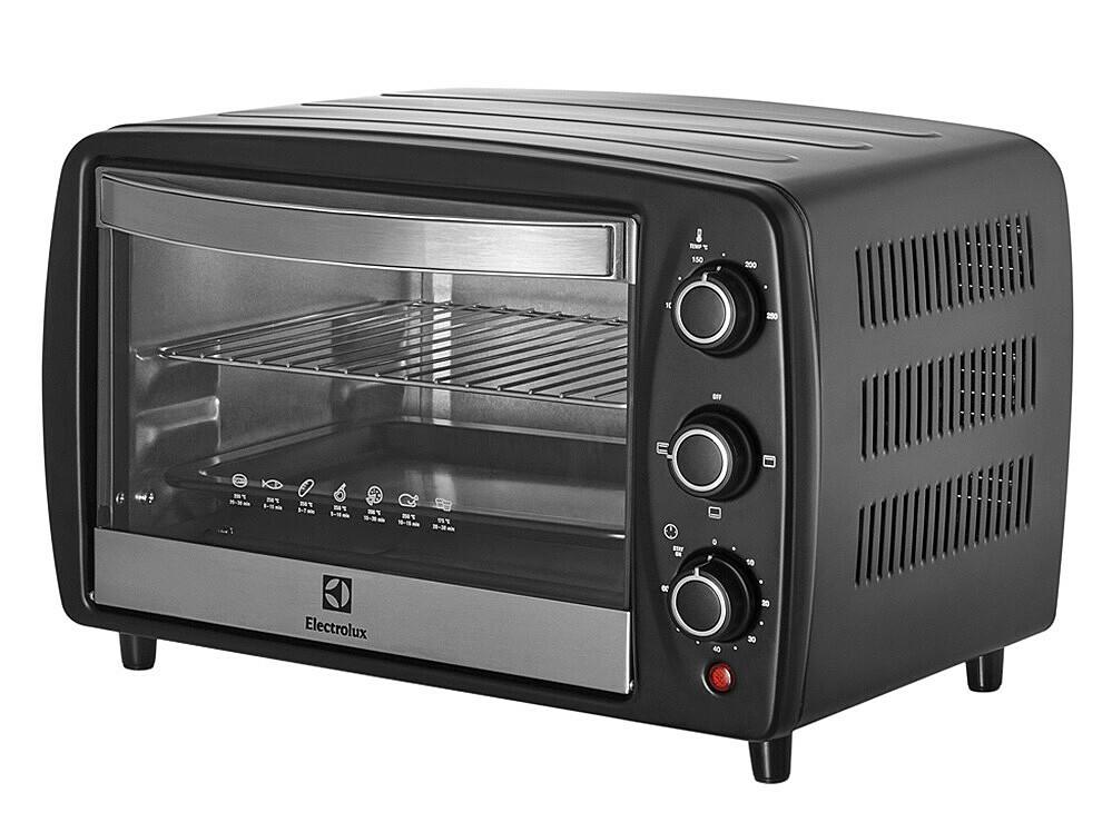 Nếu muốn nướng gà nguyên con, bánh pizza, bánh ngọt tráng miệng, hay đơn giản là nướng nhiều thực phẩm hơn, bạn có thể dùnglò nướng để bàn Electrolux EOT3805Kdung tích 15 lít, với 3 chế độ nướng... Lò thiết kế thanh nhiệt bằng thép không gỉ, khay đựng thực phẩm chống dính, cửa kính trong suốt chịu nhiệt, tay nắm cách nhiệt. Lò có thể hẹn giờ đến 60 phút, điều chỉnh nhiệt độ từ 100 đến 250 độ C. Sản phẩm đang được bán với giá ưu đãi 44% là 770.000 đồng.