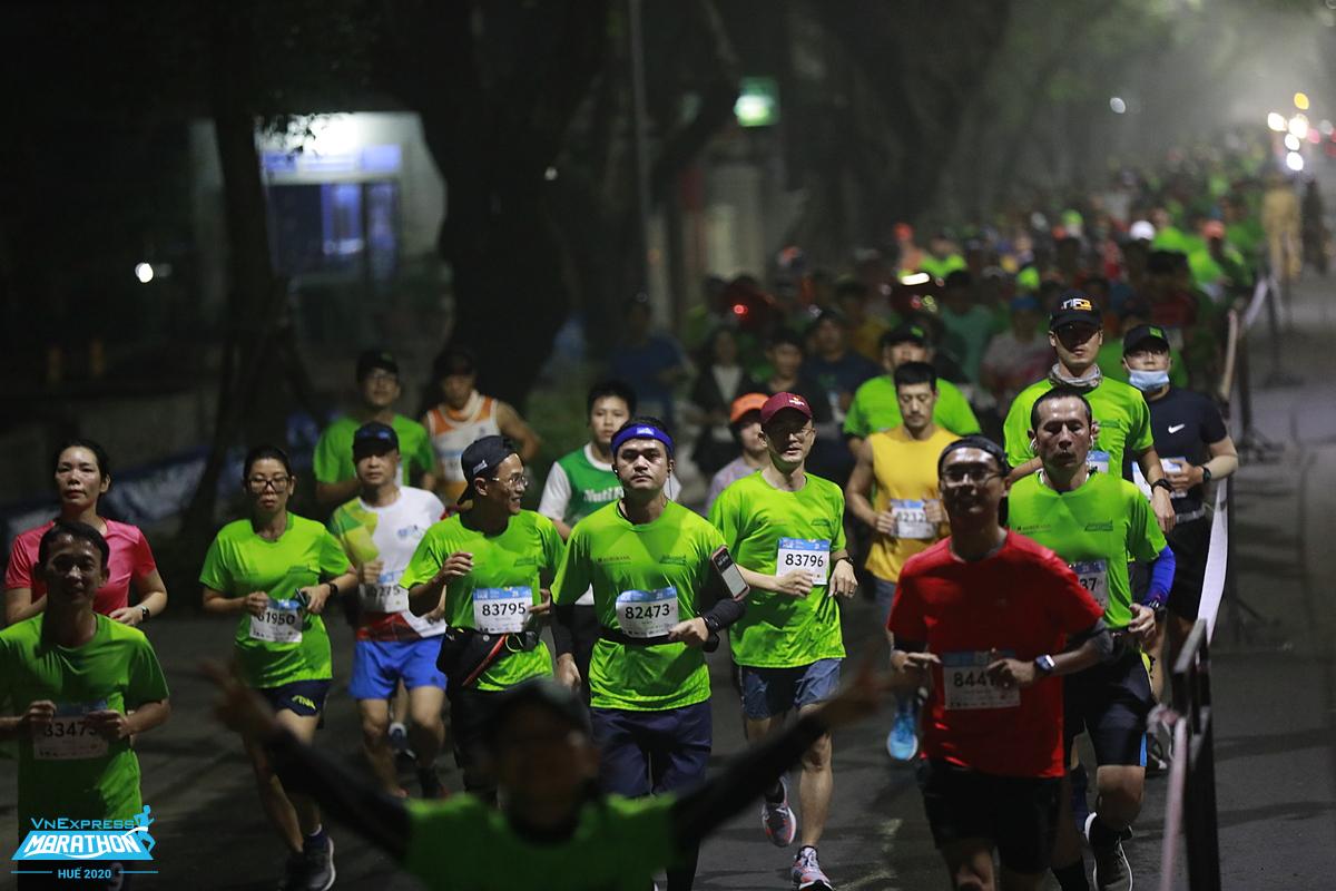 Chạy giúp cải thiện sức khỏe, sản sinh năng lượng tích cực. Ảnh: VnExpress Marathon.