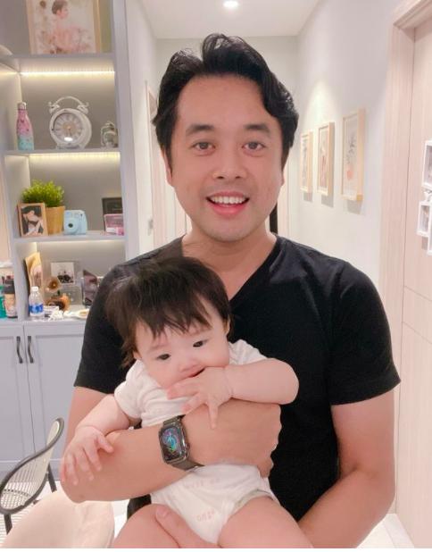 Nhạc sĩ Dương Khắc Linh khen bé Winnie nhà Ông Cao Thắng cưng và dự định sau sẽ sinh thêm một con gái. Vợ chồng anh hiện có hai con song sinh nam.