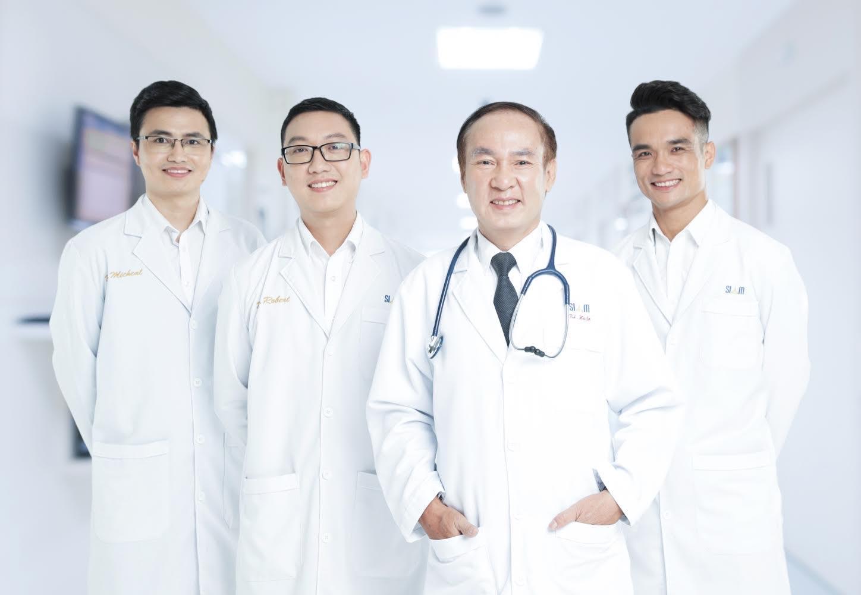 Đội ngũ bác sĩ tại Siam Thailand.