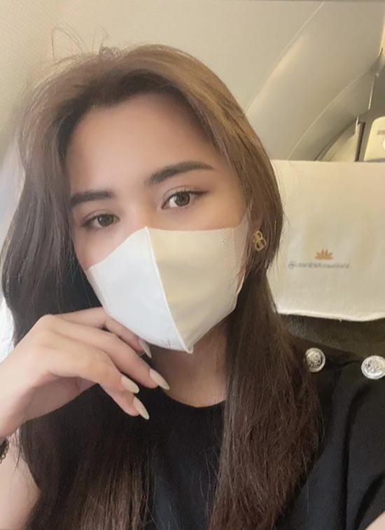 Vợ Quế Ngọc Hải trên máy bay vào TP HCM. Ảnh: DTP.