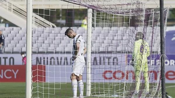 C. Ronaldo cũng đang hứng chịu chỉ trích vì ba trận gần nhất không ghi bàn. Ảnh: Marca.