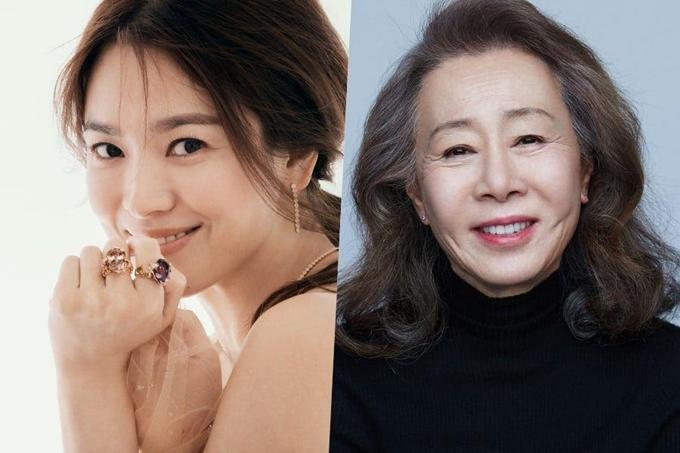 Song Hye Kyo (trái) thân thiết với nghệ sĩ Youn Yuh Jung.