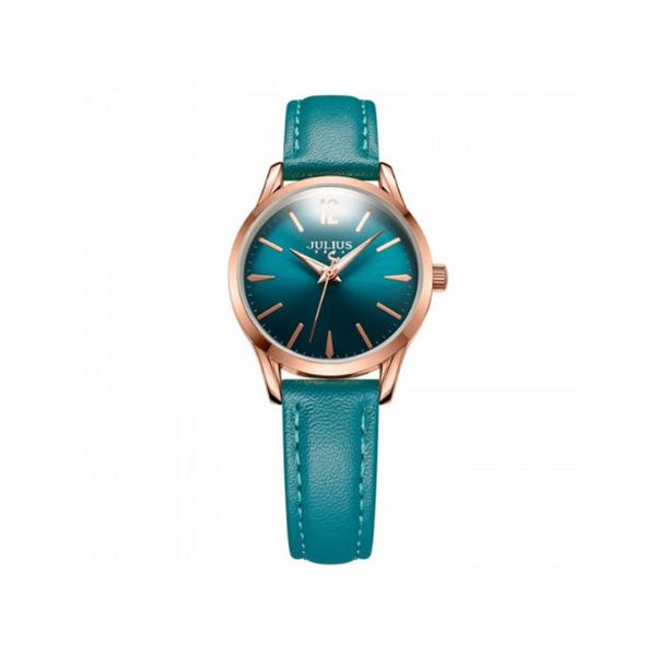 Đồng hồ nữ dây da Hàn Quốc JA-983LE xanh - Xanh489.000đ(- 42 %)Chất liệu dây: Dây da Genuine Leather bền bỉChất liệu mặt kính: Mặt kính khoáng cao cấp trong suốt rõ nét, độ cứng cao (chống va đập tốt ở mức sinh hoạt hàng ngày)Kích thước bề mặt: 3cm (Mặt tròn)Độ dày: 0,8cmTổng độ dài đồng hồ: 19cmĐộ rộng của dây: 1,7cmKiểu khóa: Khóa gàiChất liệu vỏ máy: Hợp kim mạ ion vàng hồng, sử dụng công nghệ mạ IP chân không tiên tiến giúp đem lại độ sáng bóng và bền màuMáy: Quartz Nhật MIYOTA AL21 (được sản xuất bởi Citizen Nhật Bản)Khả năng chịu nước: Chống thấm nước 3ATM (30m) có thể đi mưa, rửa tay, rửa mặt. Tránh tiếp xúc với môi trường hóa chất như giặt đồ, tấm gội.Bảo hành: 12 tháng, hậu mãi 3 năm chi phí thấp sau bảo hành. Đổi mới nếu bị vô nước hoặc lỗi do nhà sản xuất. Thay dây miễn phí 1 lần, thay pin trọn đời, mua phụ kiện giá ưu đãi khi có thẻ bảo hành