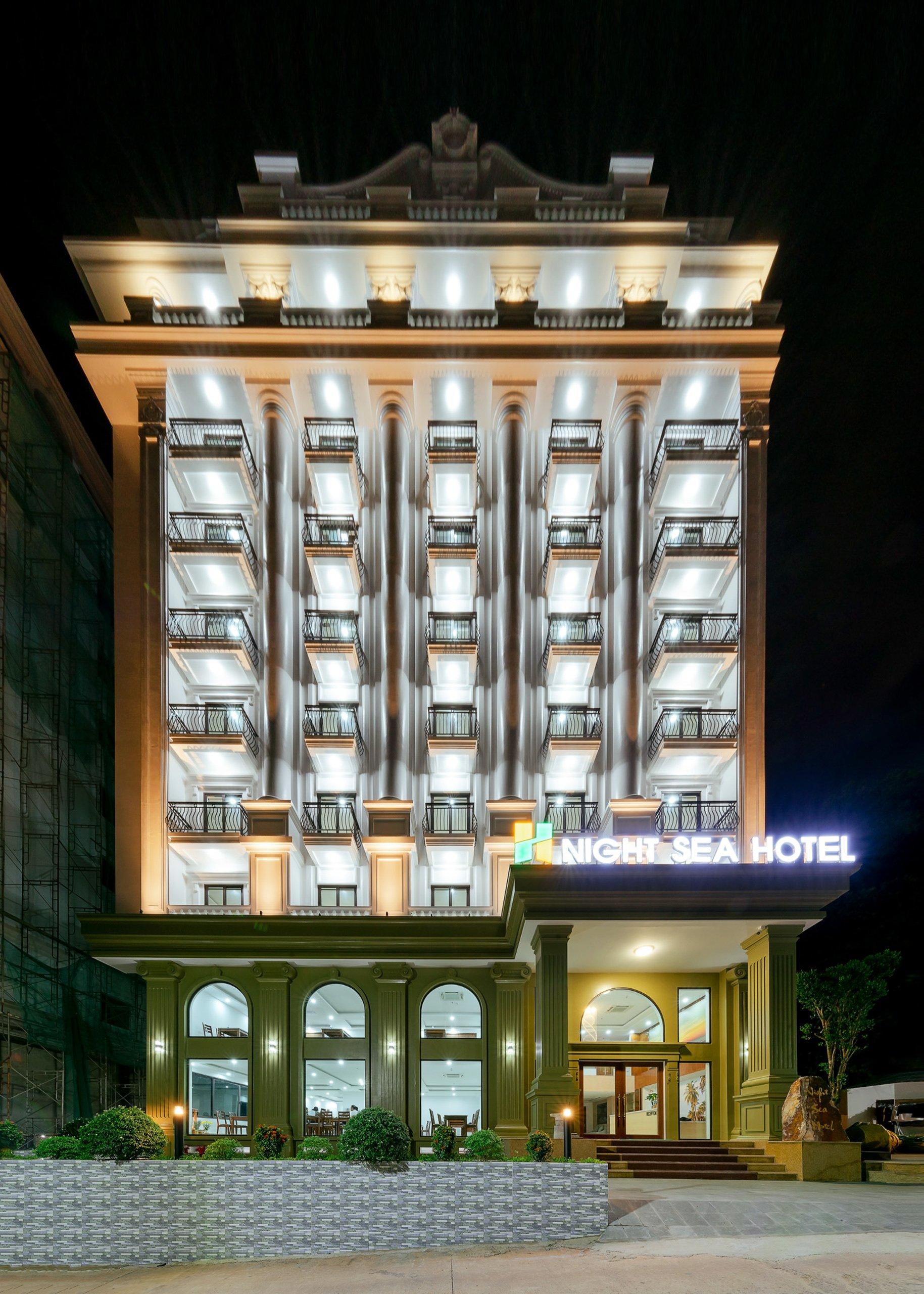 Night Sea Hotel tọa lạc trên trục đường chính của trung tâm TP Phú Quốc.