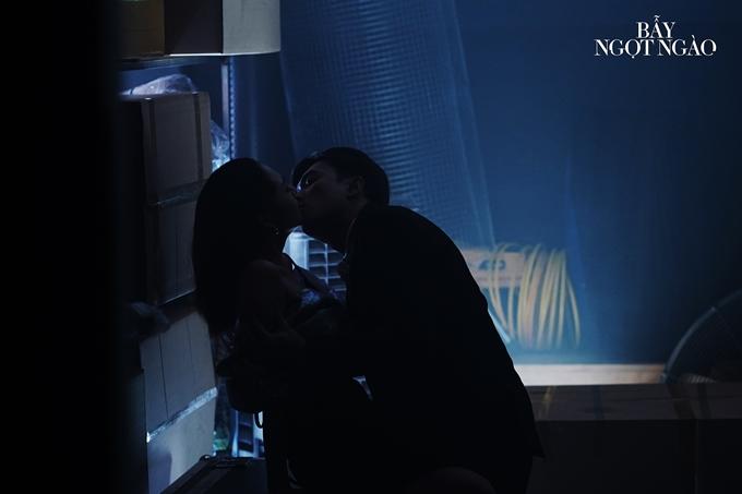 Quốc Trường cưỡng hôn, cưỡng ép Bảo Anh quan hệ trong phim Bẫy ngọt ngào.