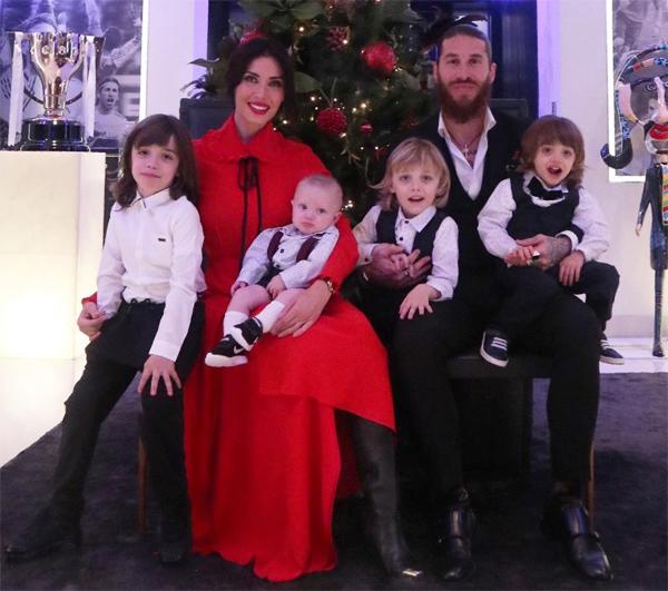 Sergio Ramos và vợ cùng 4 cậu con trai dịp năm mới. Ảnh: Instagram.