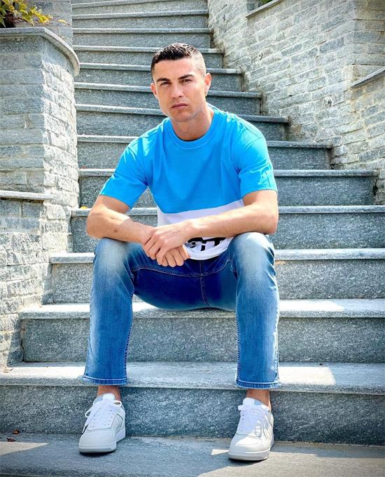 C. Ronaldo đăng ảnh ngầm ý khẳng định tinh thần và thể chất vẫn ổn định dù đang bị chỉ trích dữ dội về phong độ. Ảnh: Instagram.