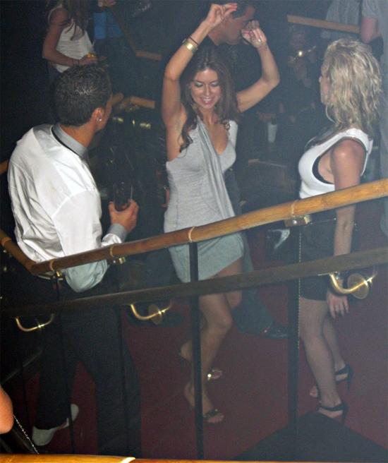 Siêu sao Juventus và nạn nhân nhảy nhót và nói chuyện thân mật trước khi cô tố cáo anh tấn công tình dục trong căn hộ cao cấp. Ảnh: The Sun.