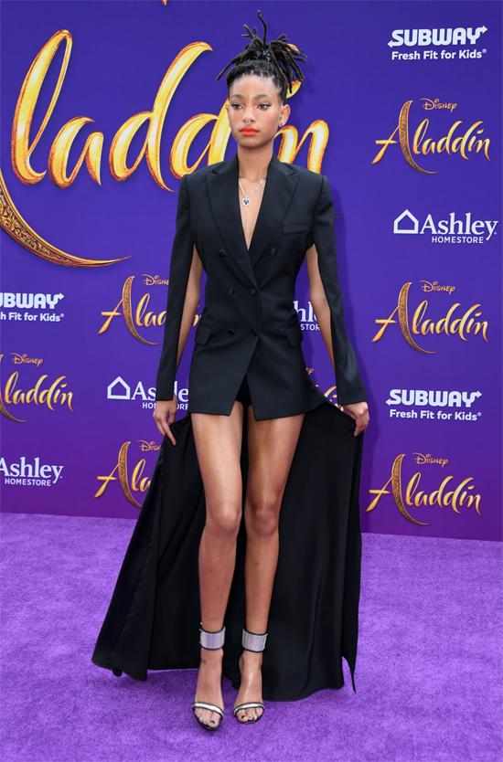 Ca sĩ - diễn viên - fashionista Willow Smith.