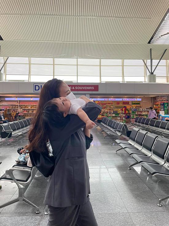 Cường Đôla - Đàm Thu Trang cùng con gái nghỉ dưỡng Đà Nẵng - 1