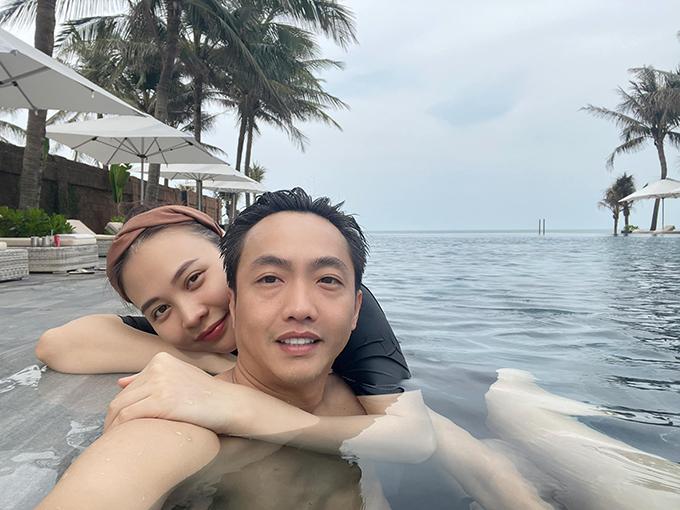 Cường Đôla - Đàm Thu Trang cùng con gái nghỉ dưỡng Đà Nẵng