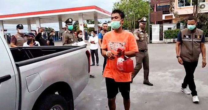 Niwat Chankaew bị cảnh sát tỉnh Nakhon Si Thammarat bắt cuối tháng 4. Ảnh: Viral Press.