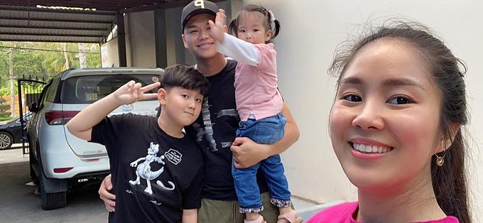 Vợ chồng diễn viên Lê Phương đưa hai con về thăm người thân nhân dịp nghỉ lễ.