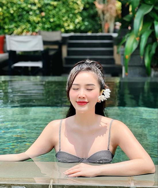 Bảo Thy cũng có lịch trình du lịch kín cả tháng 4 tới Nha Trang và Mũi Né. Tuy nhiên, khi tình hình dịch bệnh quay trở lại, nữ ca sĩ cho biết sẽ hoãn lại các kế hoạch vui chơi hè này, chờ tới khi Covid-19 được kiểm soát.