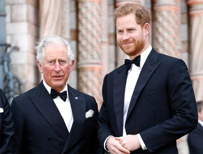 Thái tử Charles dự sự kiện cùng con trai Harry vào năm 2019. Ảnh: PA.