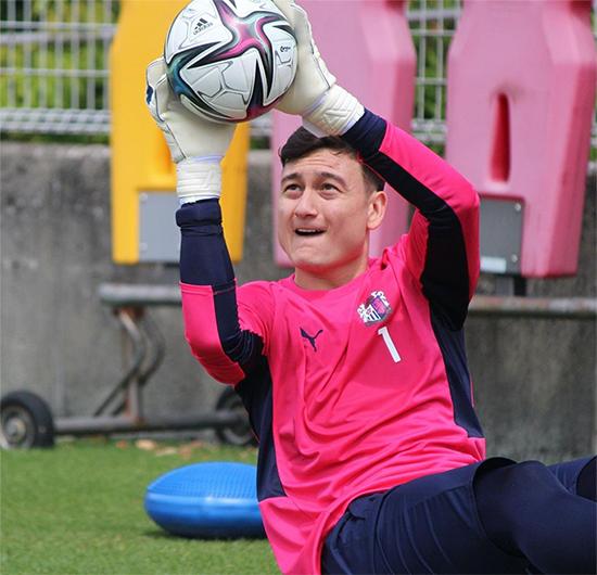 Văn Lâm tập luyện tại CLB Cerezo Osaka. Ảnh: Cerezo Osaka.