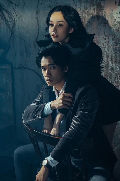 Trúc Anh và Samuel An thân mật trong bộ ảnh quảng báo phim Thiên thần hộ mệnh.