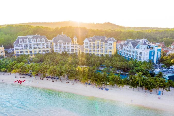 JW Marriott Phu Quoc Emerald Bay được World Travel Awards được vinh danh liên tục nhiều năm liền là điểm đến yêu thích của doanh nhân và người nổi tiếng: Nguồn