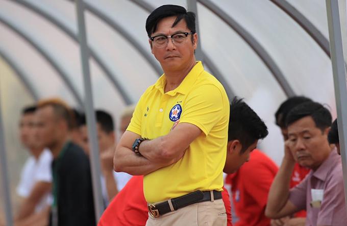 HLV Huỳnh Đức vừa trải qua chuỗi 5 trận không thắng cùng Đà Nẵng, trong đó có tới 4 trận thua. Ảnh: ĐN.