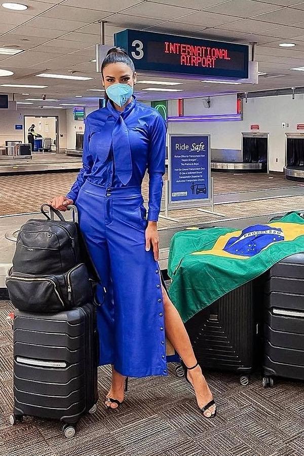 Đại diện Brazil - Julia Gama không được đánh giá cao về phong cách thời trang.