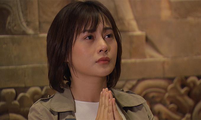 Tạo hình của Phương Oanh trong phim Hương vị tình thân.