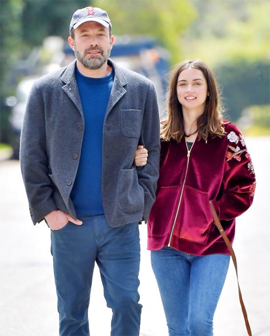 Ben Affleck đang độc thân sau khi chia tay nữ diễn viên Ana de Armas vào tháng một năm nay.