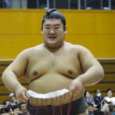 Võ sĩ sumu Hibikiryu. Ảnh: Twitter.