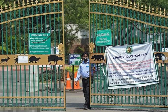 Công viên động vật học Nehru đóng cửa hôm 2/5 để tuân thủ công tác phòng chống dịch bệnh. Ảnh: AFP.