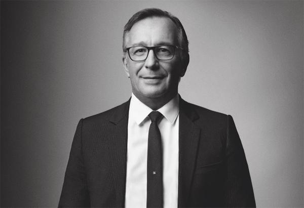 Ông Bruno Pavlovsky, chủ tịch mảng thời trang của Chanel.